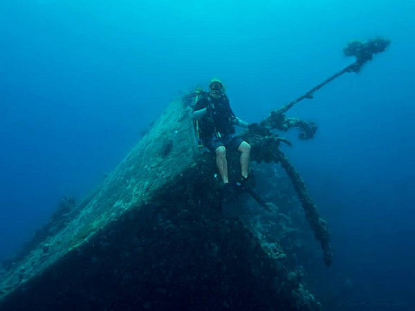 Umbria Wreck With Diver
